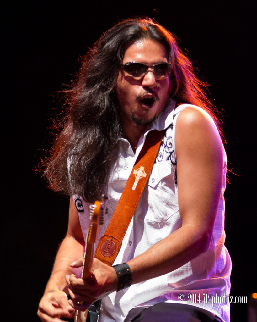 Los Lonely Boys - 512photoz concert photographer