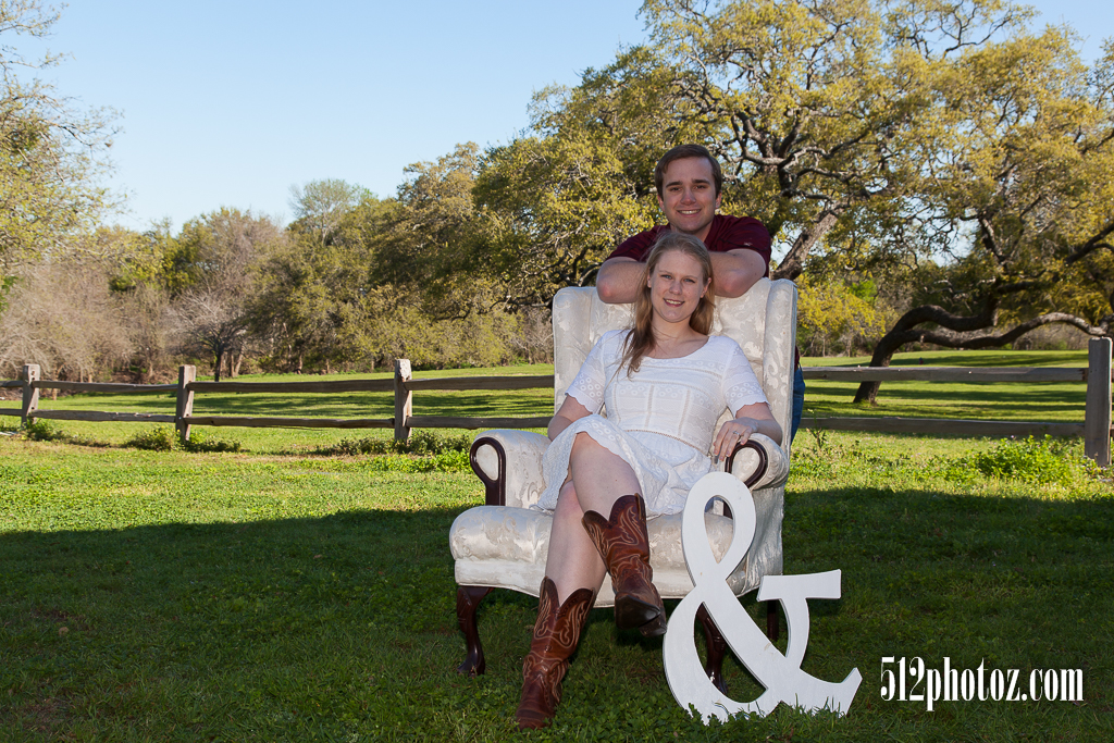 Amanda & Travis Engagement - 512photoz